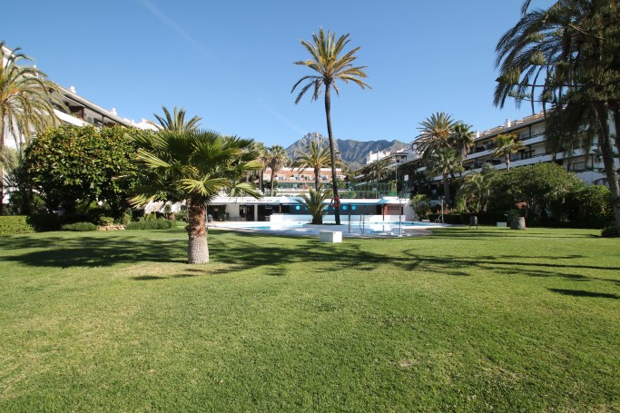 Apartment, ref: 956 for sale in La Carolina Park, Marbella Golden Mile