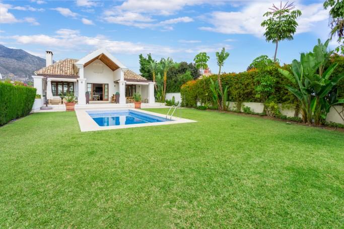 Villa, ref: 992 for sale in Lomas del Marbella Club, Marbella Golden Mile