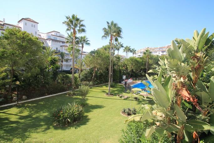 Apartment, ref: 36 for sale in Las Gaviotas I-II, Marbella West