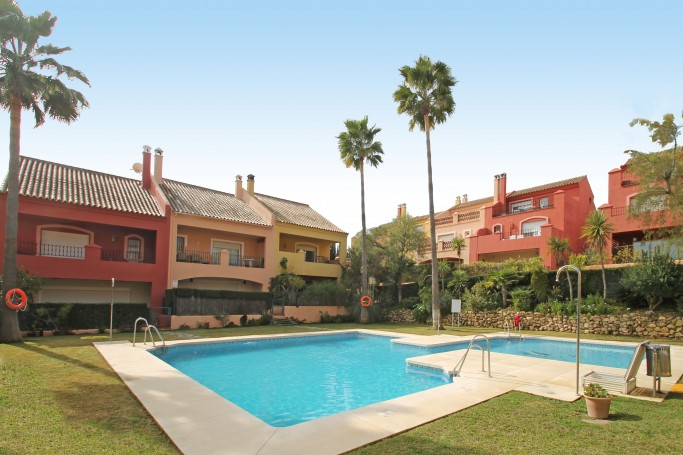 Townhouse, ref: 142 for sale in Jardines del Río, Marbella Golden Mile