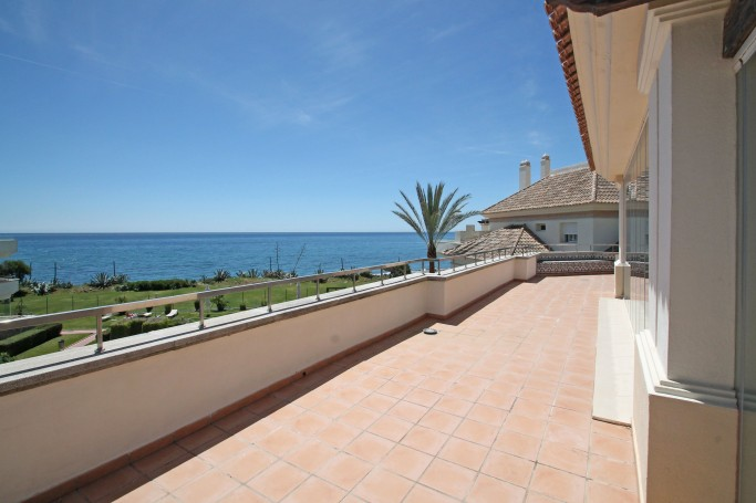 Apartment, ref: 61 for sale in Guadalmansa Playa, New Golden Mile