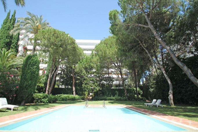 Apartment, ref: 16 for sale in Don Gonzalo, Marbella East