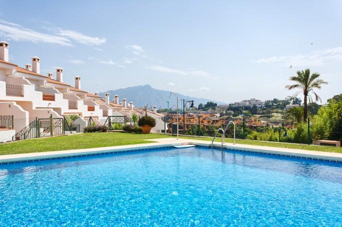 Adosada, ref: 328 en venta en El Paraíso, Marbella Oeste