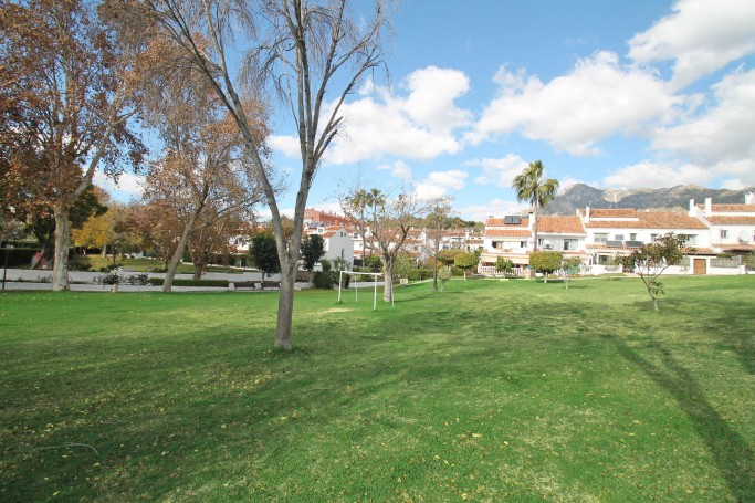 Townhouse, ref: 488 for sale in El Capricho, Marbella Golden Mile