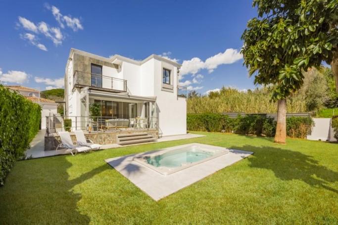 Villa, ref: 305 for sale in Los Toreros, Marbella West