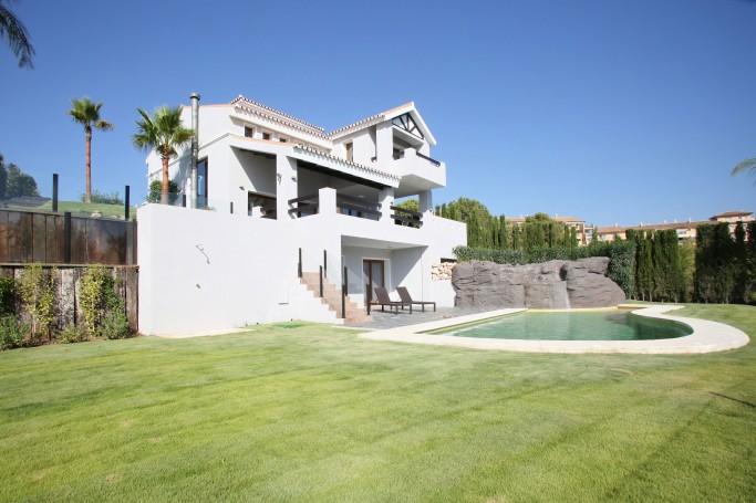 Villa, ref: 528 for sale in La Resina Golf, Marbella West