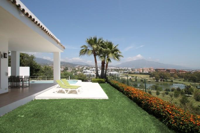 Villa, ref: 532 for sale in La Alqueria, Marbella West