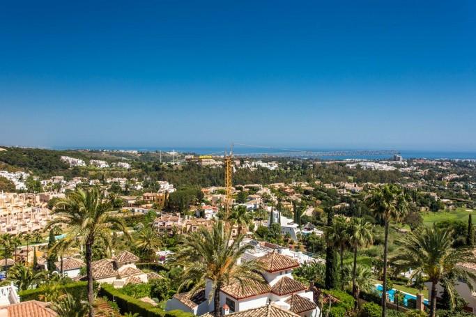 Apartment, ref: 534 for sale in Los Naranjos Golf, Marbella West