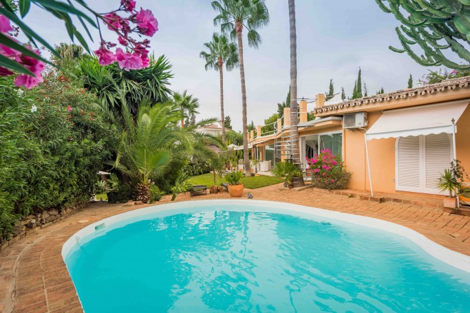 Villa, ref: 661 for sale in Rocío de Nagüeles, Marbella Golden Mile