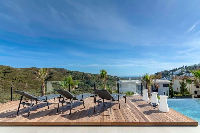 Villa, ref: 671 en venta en Lomas de La Quinta, Marbella Oeste