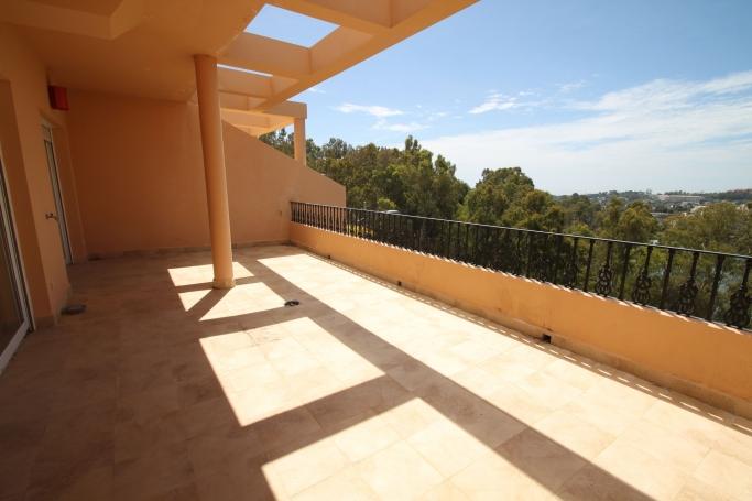 Apartment, ref: 266 for sale in La Cerquilla, Marbella West