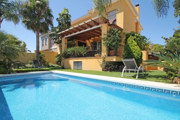 Villa, ref: 252 en venta en Guadalmina Alta, Marbella Oeste