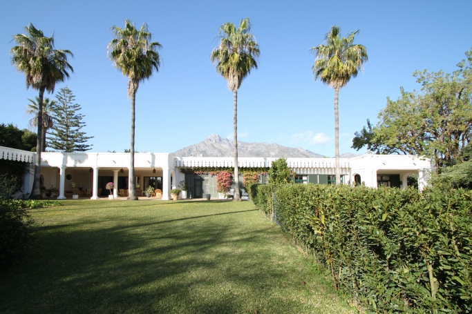 Villa, ref: 42 for sale in El Vicario, Marbella Golden Mile