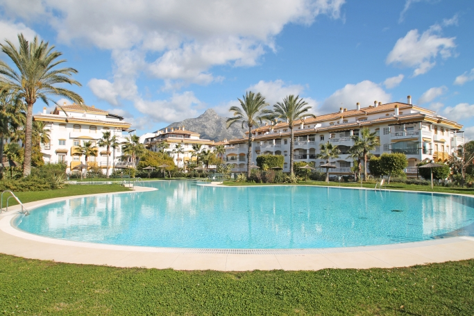 Apartment, ref: 717 for sale in La Dama de Noche, Marbella West