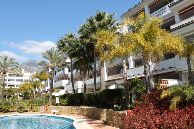 Apartment, ref: 733 for sale in Las Cañas Beach, Marbella Golden Mile