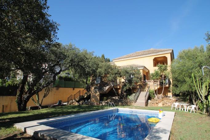 Villa, ref: 815 for sale in Cumbres de Elviria, Marbella East