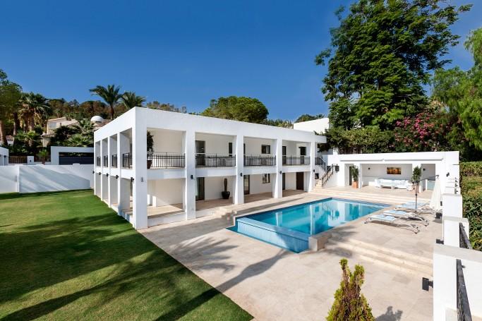 Villa, ref: 485 en venta en Las Brisas, Marbella Oeste