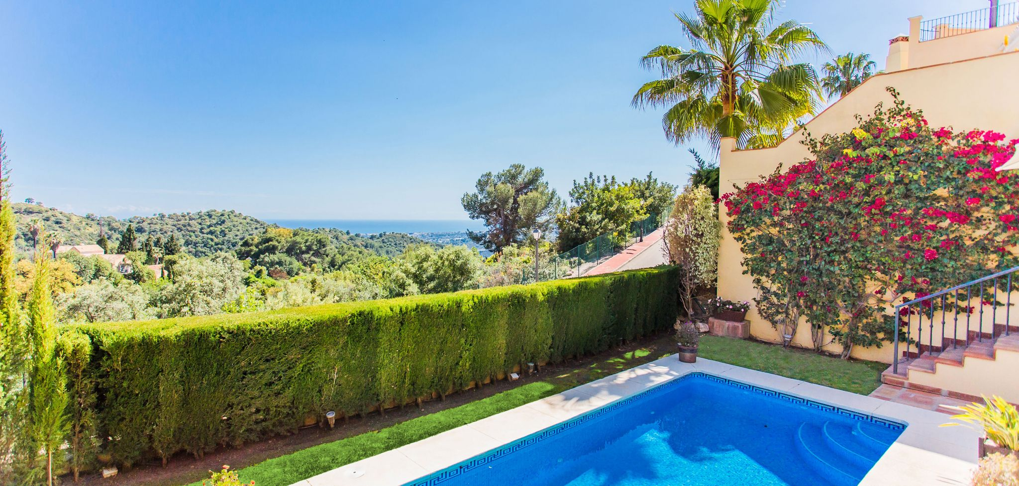 South facing stunning villa with panoramic sea views