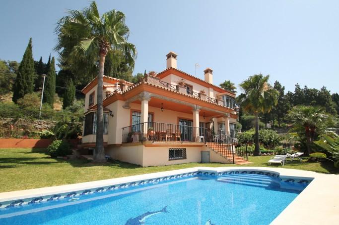 Villa, ref: 321 en venta en La Montua, Marbella Este