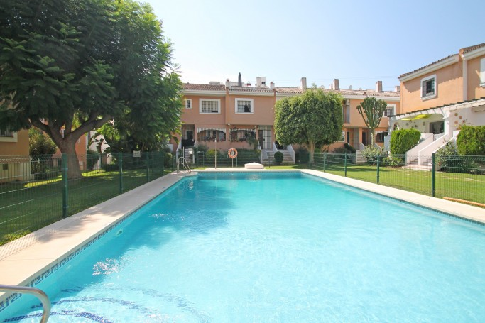 Townhouse, ref: 411 for sale in Los Naranjos, Marbella West