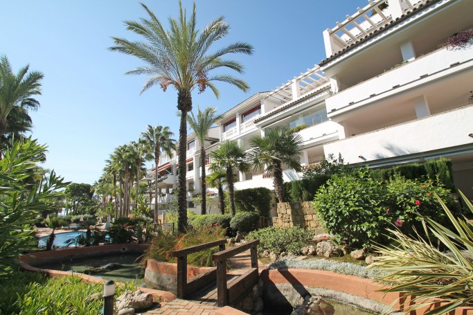 Apartment, ref: 441 for sale in Las Cañas Beach, Marbella Golden Mile