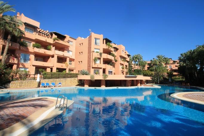 Apartamento, ref: 62 en venta en Oasis de Marbella, Marbella Milla de Oro