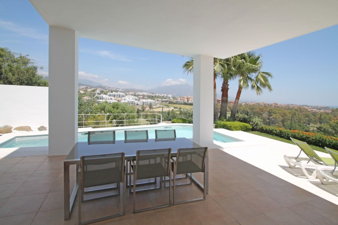 Villa, ref: 532 en venta en La Alqueria, Marbella Oeste