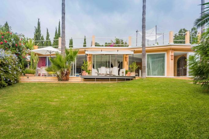 Villa, ref: 661 en venta en Rocío de Nagüeles, Marbella Milla de Oro