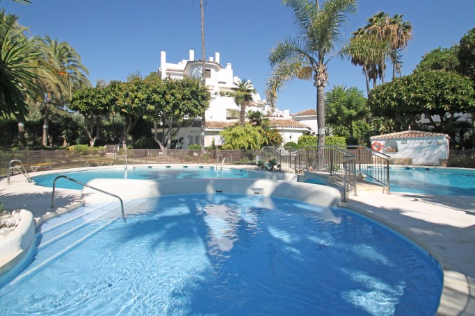 Apartment, ref: 967 for sale in Elviria, Marbella East
