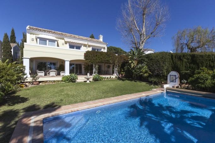 Villa, ref: 543 en venta en Camoján, Marbella Milla de Oro