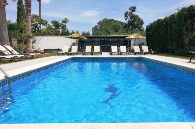 Villa, ref: 813 en venta en Rocío de Nagüeles, Marbella Milla de Oro
