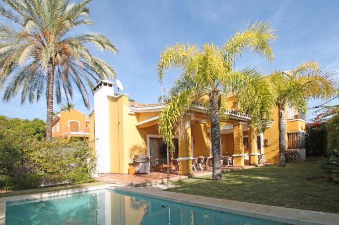 Villa, ref: 1007 for sale in Nagüeles, Marbella Golden Mile