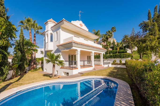 Villa, ref: 629 for sale in Guadalmina Alta, Marbella West