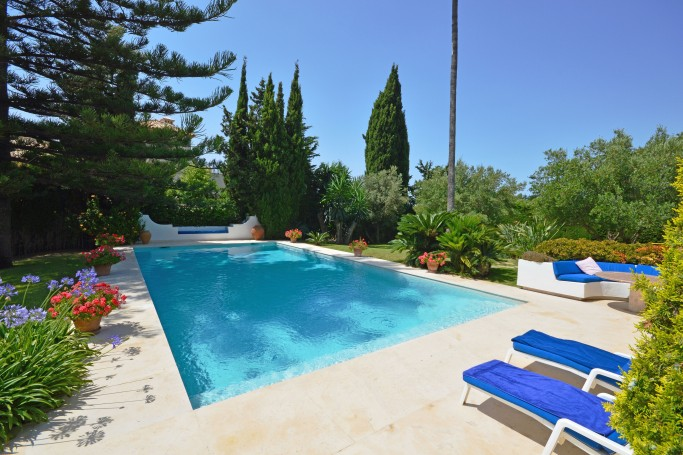 Villa, ref: 245 for sale in La Carolina, Marbella Golden Mile
