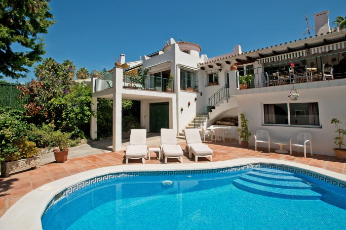 Villa, ref: 1038 for sale in Nueva Andalucia centre, Marbella West