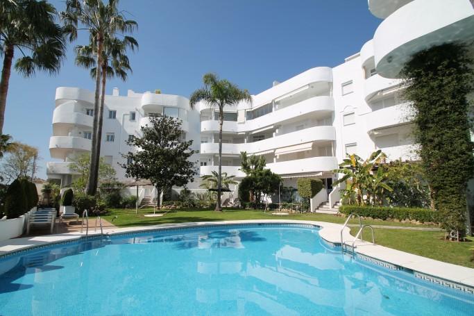 Apartamento, ref: 612 en venta en Marbella Real, Marbella Milla de Oro