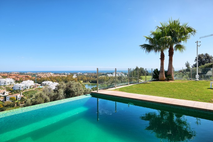 Villa, ref: 1052 for sale in La Alqueria, Marbella West