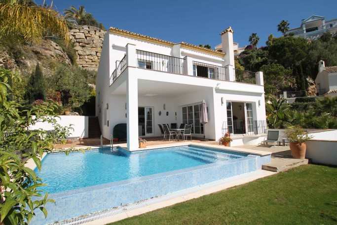 Villa, ref: 1053 for sale in Sierra Blanca Country Club, Marbella Green Mile