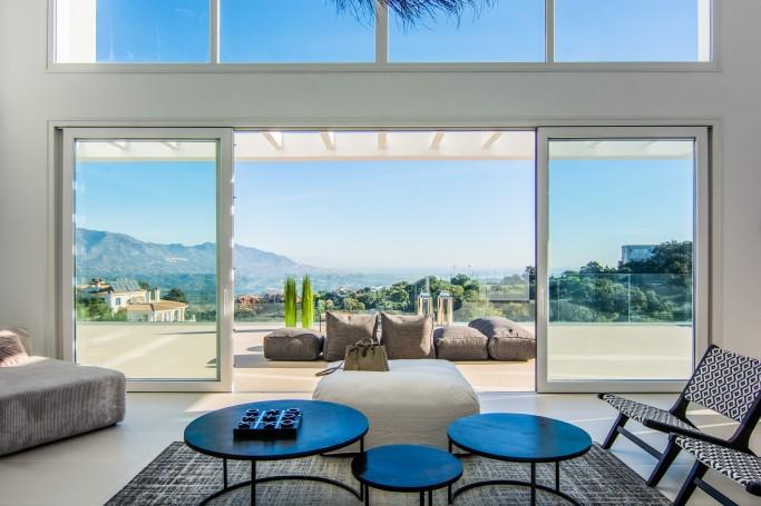 Villa, ref: 218 en venta en La Mairena, Marbella Este