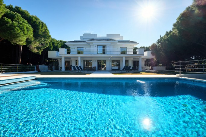 Villa, ref: 1050 for sale in Las Chapas, Marbella East