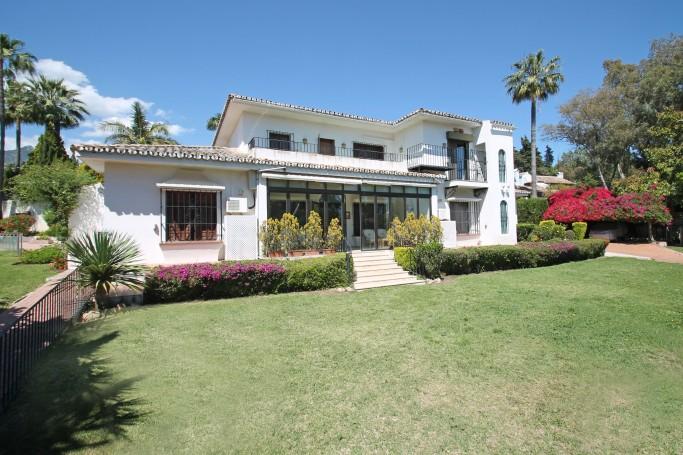 Villa, ref: 806 for sale in Golden Mile Mountain Side, Marbella Golden Mile