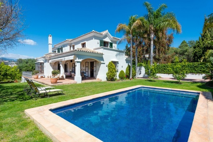 Villa, ref: 1067 for sale in San Pedro de Alcántara, Marbella West