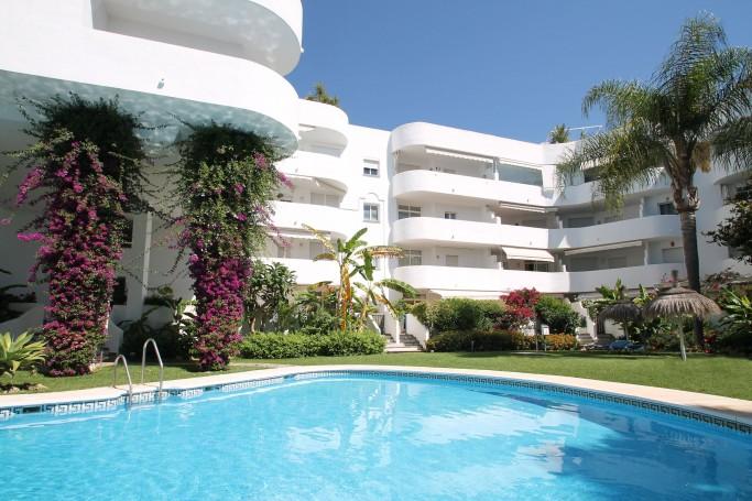 Apartamento, ref: 1041 en venta en Marbella Real, Marbella Milla de Oro