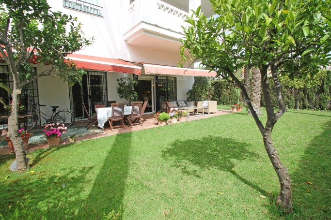 Apartment, ref: 1021 for sale in Las Cañas Beach, Marbella Golden Mile
