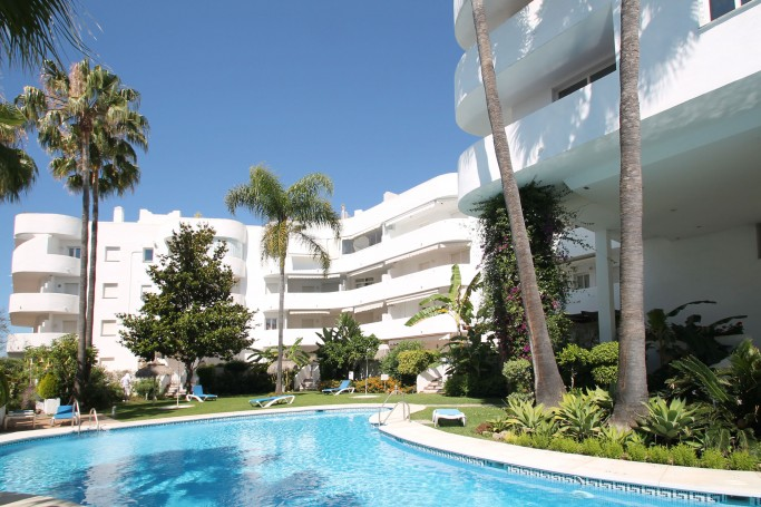 Apartment, ref: 1095 for sale in Marbella Real, Marbella Golden Mile