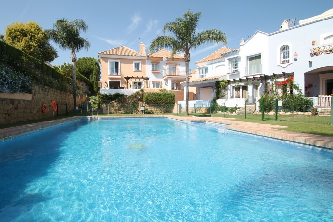 Townhouse, ref: 1098 for sale in Aloha, Marbella West