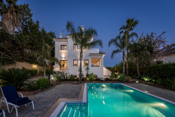 Villa, ref: 1108 en venta en Sierra Blanca, Marbella Milla de Oro