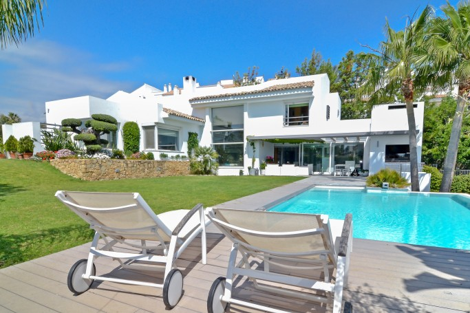 Villa, ref: 1109 for sale in Golf Valley, Marbella West