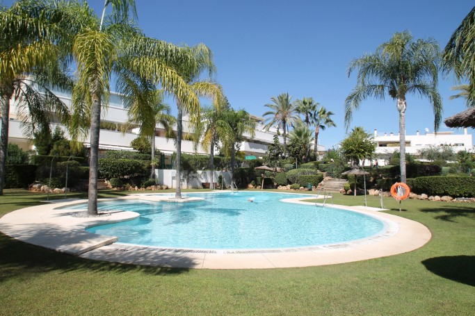 Apartment, ref: 1114 for sale in Terrazas del Rodeo, Marbella West