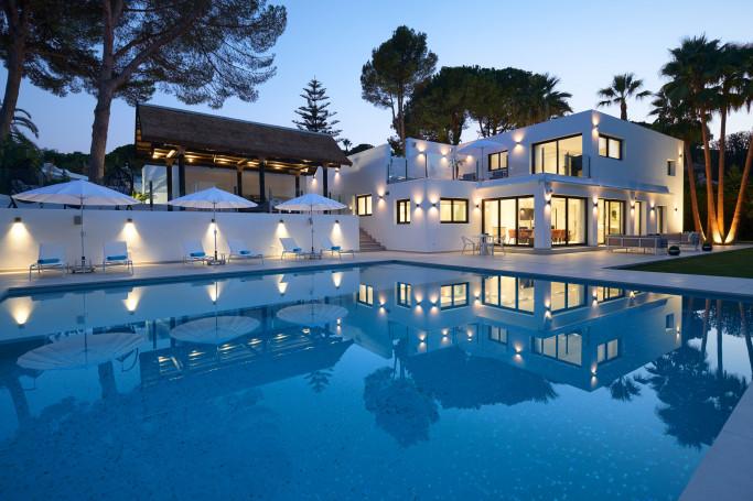 Villa, ref: 1154 for sale in Las Brisas, Marbella West